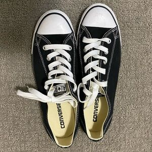 Converse low pro size 8